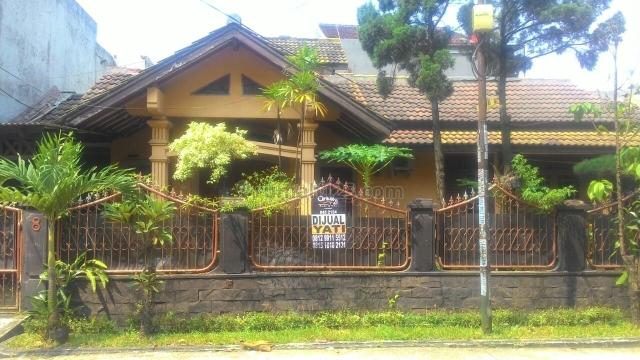 Rumah Asri & tenang di lokasi strategis kranggan permai cibubur, Cibubur, Bekasi