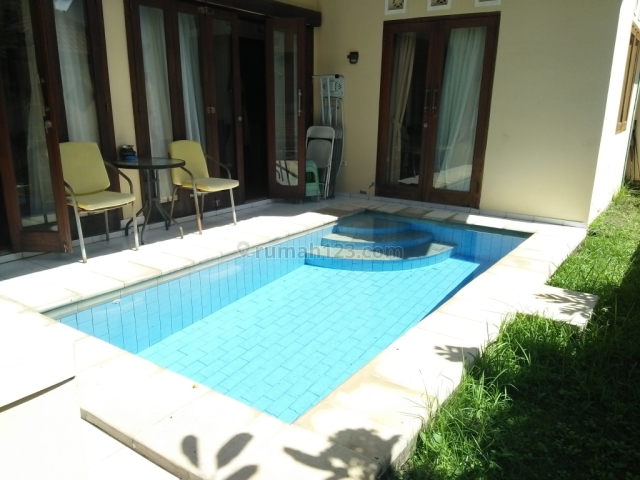 Rumah / A comfortable house with swimming pool at Ungasan, Bukit Jimbaran, Badung, Bali, Pecatu, Badung