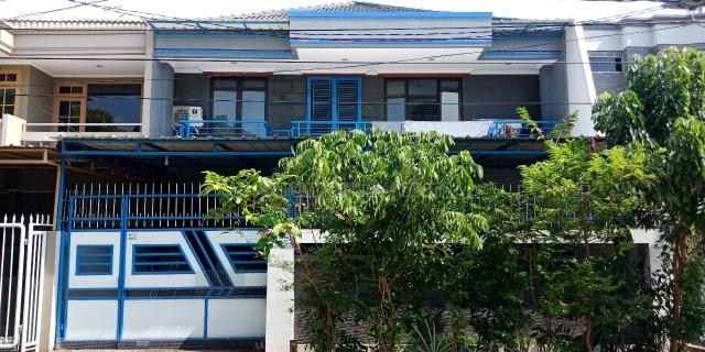 Rumah Cantik 2 Lantai Termurah di Pluit Karang Asri LT 200 m2 LB 355 m2, Akses Jalan 3 Mobil, Pluit, Jakarta Utara