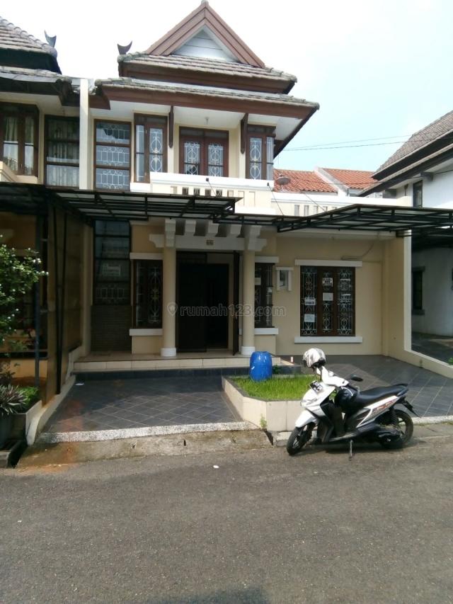 Rumah Rapi Lokasi Strategis di Pattaya Lippo karawaci Tangerang, Lippo Karawaci, Tangerang