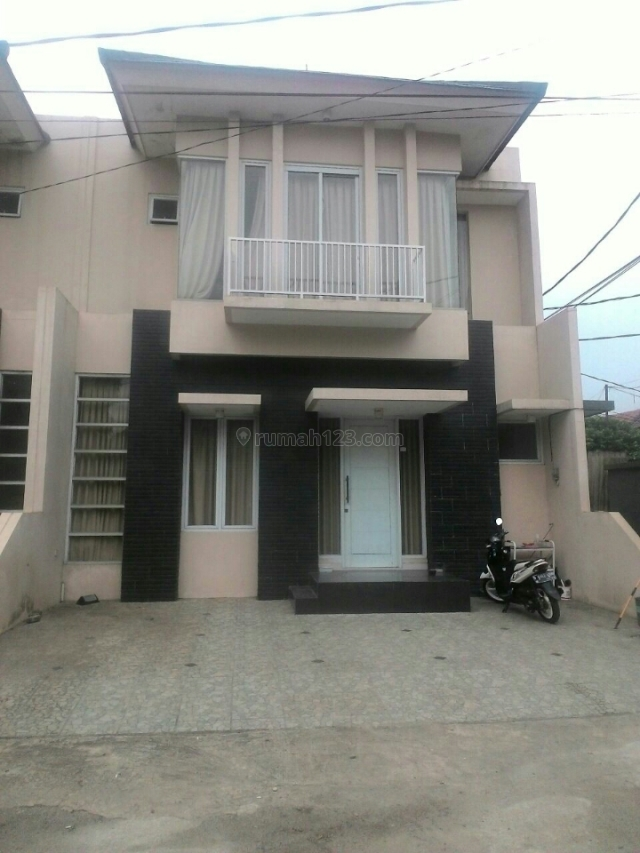 rumah mewah murah dan lengkap perabotnya, Ciputat, Tangerang