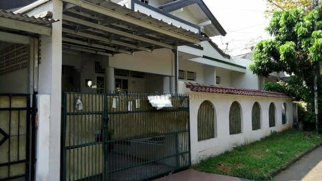 rumah cantik luas strategis, Pamulang, Tangerang