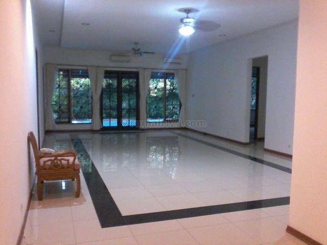 NICE HOUSE,quiet,comfortable,close To Ais,strategic Location, Kemang, Jakarta Selatan