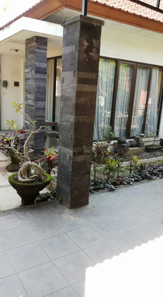 kan rumah cantik dan luas pusat kota denpasar full furnish, Kesiman, Denpasar