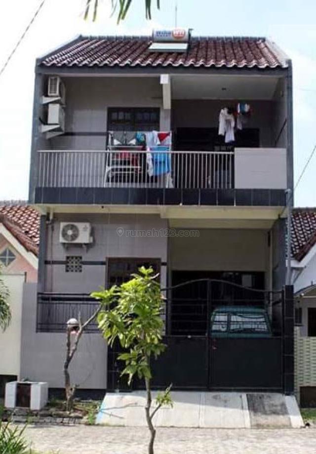 Rumah 2 Lantai Full Renov Taman Ubud Surabaya, Gununganyar, Surabaya