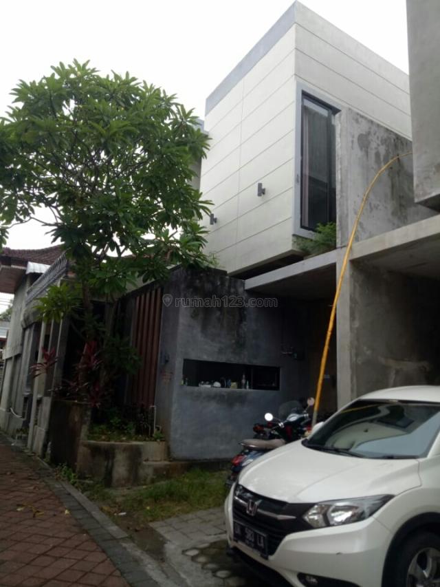 Rumah semi villa siap huni Di muding mekar kerobokan Badung bali, Kerobokan Kelod, Badung
