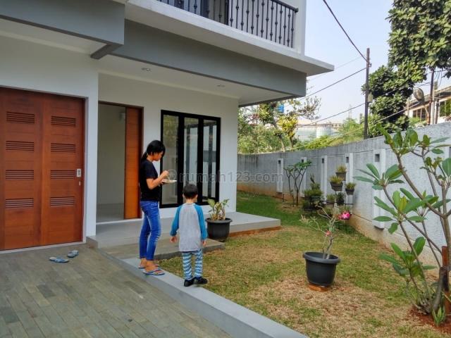 Rumah Nyaman di Komplek IAPCO Kemang Timur,, Kemang, Jakarta Selatan