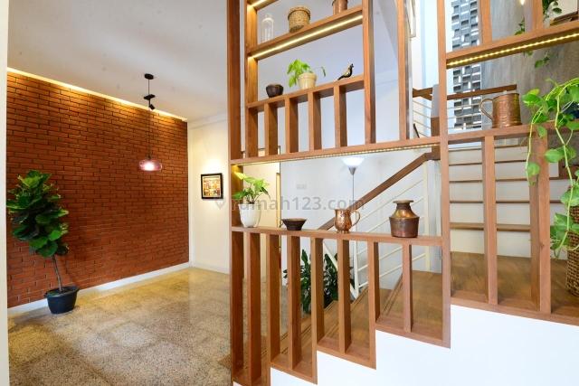RECOMMENDED Rumah Cantik di Rawamangun Serasa Tinggal di Villa Tengah Kota, Rawamangun, Jakarta Timur