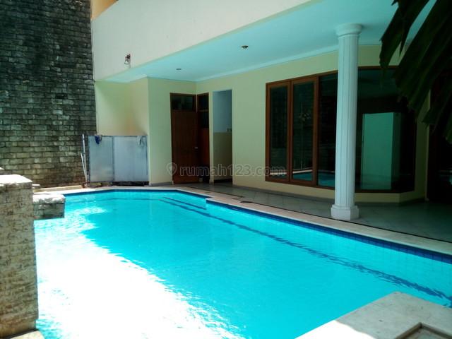 "Good House in Bussiness area kuningan "" The Price Can Be Negotiable "", Kuningan, Jakarta Selatan"