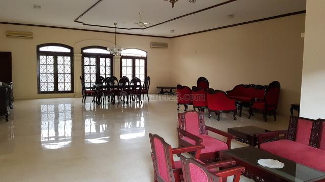 Rumah Tinggal Ex Kursus Di Kebayoran Baru Jakarta Selatan, Kebayoran Baru, Jakarta Selatan