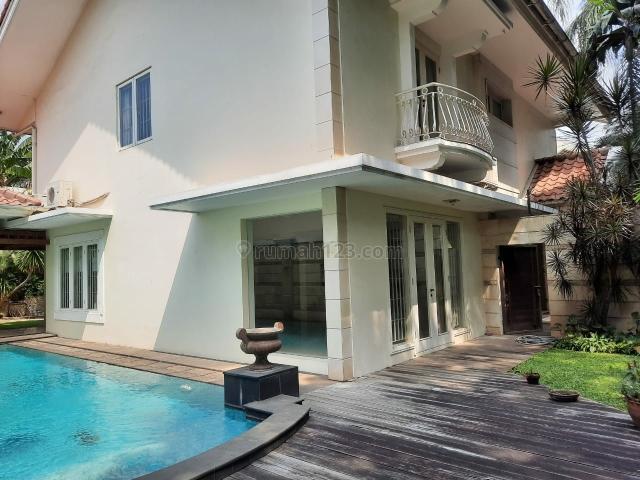 Rumah Asri Tenang cocok buat Embassy House di Kebayoran Baru, Kebayoran Baru, Jakarta Selatan