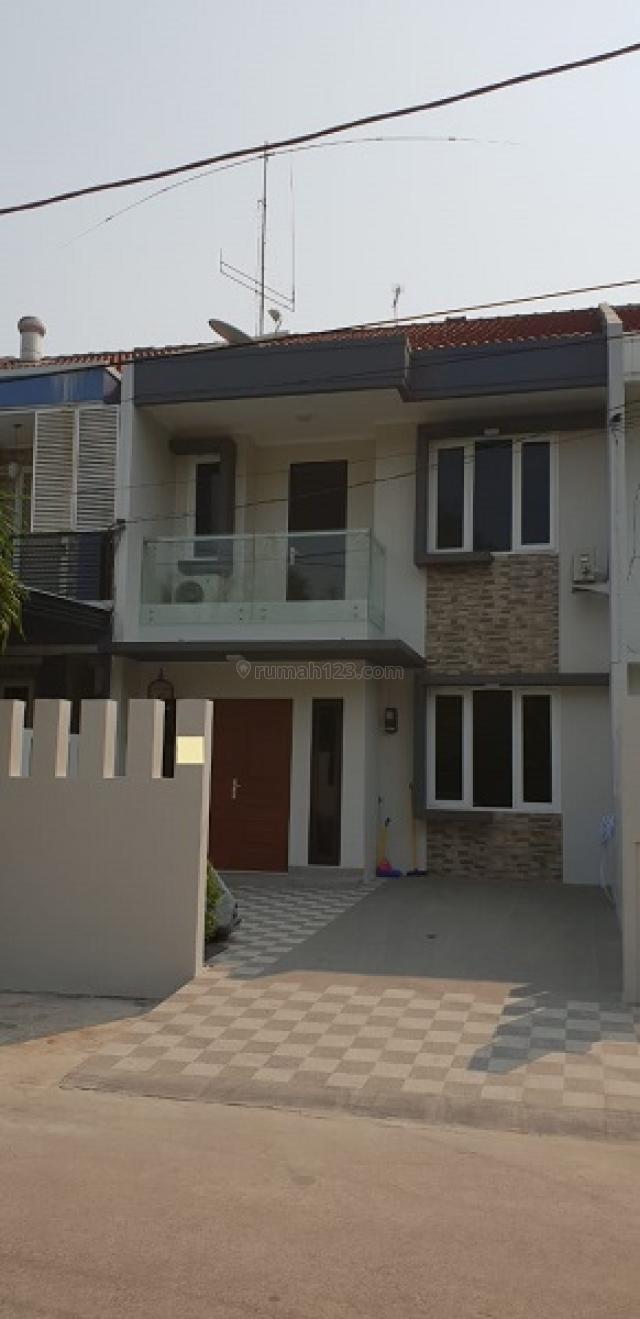 CEPAT !! Rumah Asri dan Nyaman di Gading Arcadia ,Bisa Nego, Kelapa Gading, Jakarta Utara