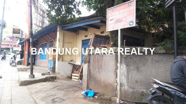 Rumah jl.siliwangi, cocok untuk usaha, strategis, traffic ramai, dilalui angkot, Goodloc, hitung tanah saja., Ciumbuleuit, Bandung