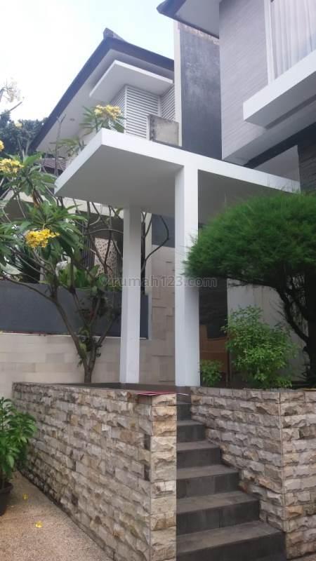 Rumah Bagus Lokasi Elit Kemang di Komplek, Kemang, Jakarta Selatan