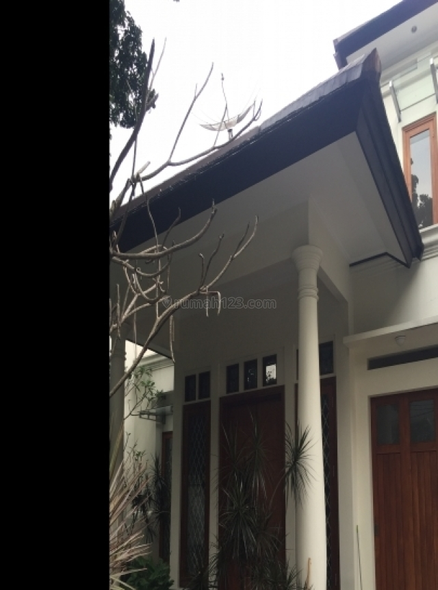 Classic Modern house in Brawijaya Kebayoran, Kebayoran Baru, Jakarta Selatan