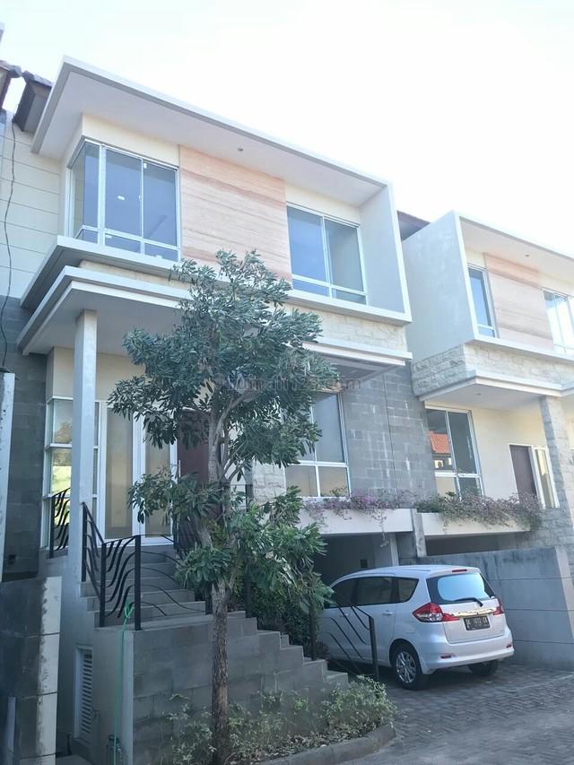 rumah mewah suwung dekat benoa di kompleks perumahan, Suwung, Denpasar