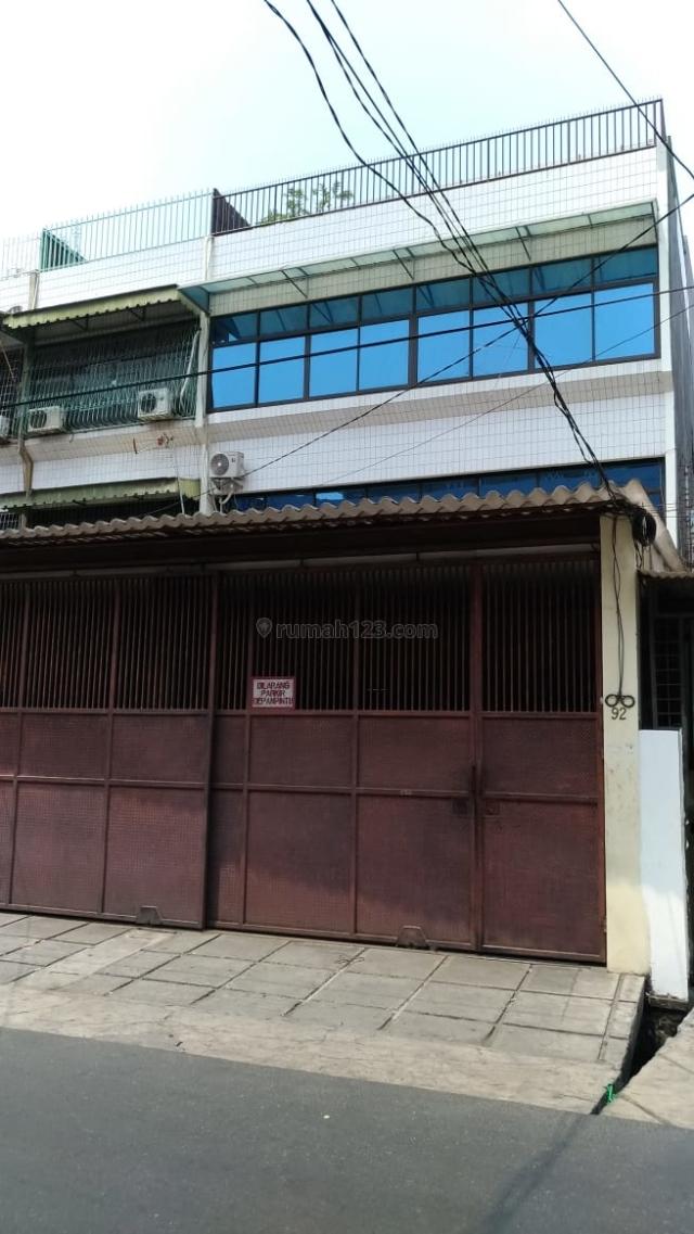 Rumah di Area Jembatan Lima, Cocok Untuk Cafe, Konveksi, Dll Dan Lahan Parkir Cukup Luas, Jembatan Lima, Jakarta Barat