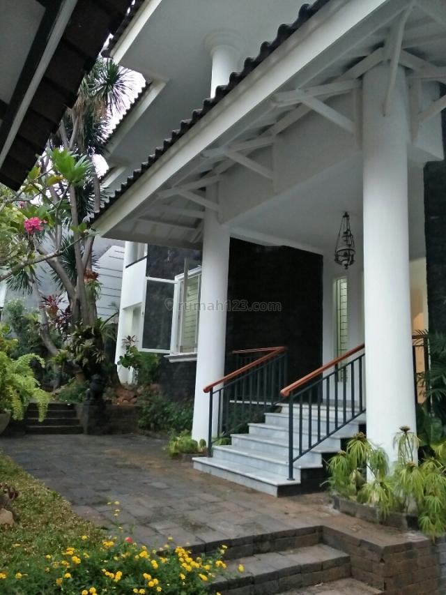 rumah gaya kolonial,  bagus sekali, Pejaten, Jakarta Selatan