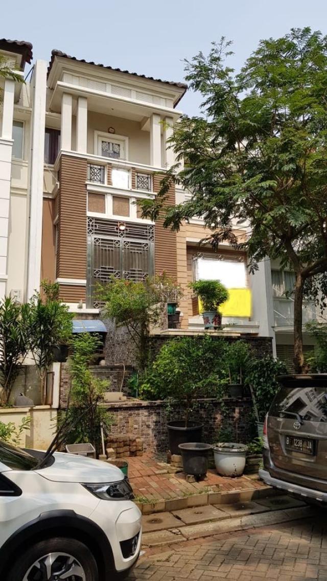 Rumah di lokasi premium Pantai Indah Kapuk, Pantai Indah Kapuk, Jakarta Utara