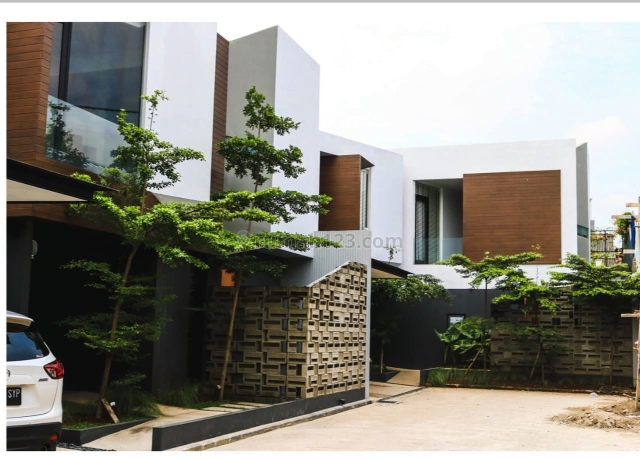 Rumah Bagus untuk Hunian dan Nyaman dalam Cluster di Jagakarsa Jakarta Selatan, Jagakarsa, Jakarta Selatan