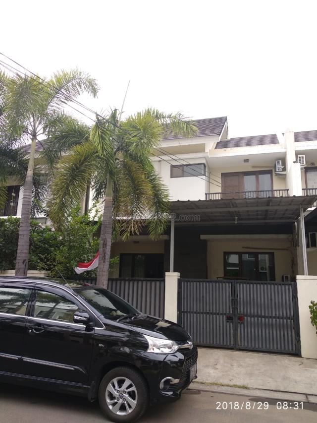 Rumah Aralia luas 160m 2lantai hadap utara Siap Huni di Harapan Indah Bekasi, Bekasi Barat, Bekasi