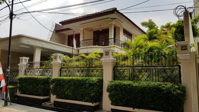 Rumah Tinggal Siap Huni Ada Kolam Renang Lingkungan Asri di Kebayoran Baru Jakarta Selatan, Kebayoran Baru, Jakarta Selatan