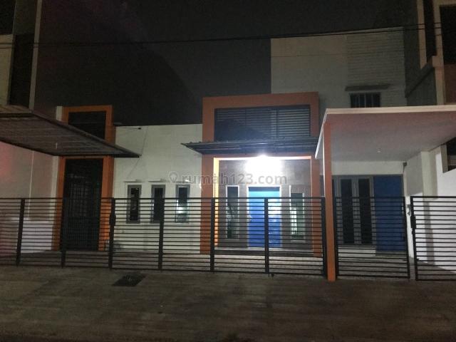 Rumah di Jln Prisma Kedoya Permai Jakarta Barat, Kedoya, Jakarta Barat