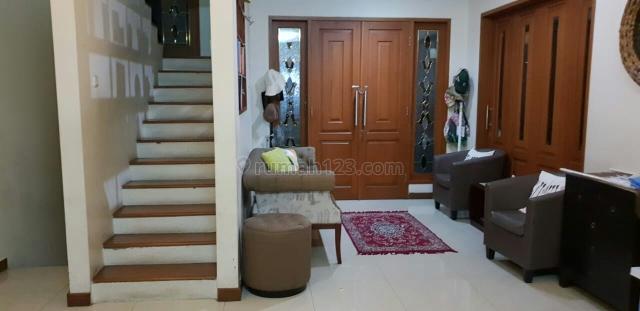 Rumah Cantik dalam Komplek di Lebak Bulus, Lebak Bulus, Jakarta Selatan