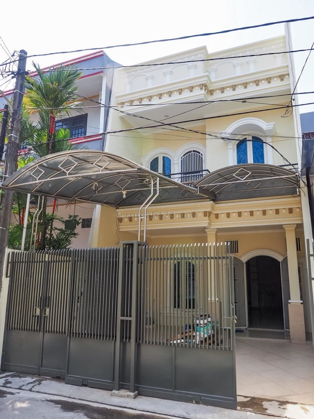 Sunter 6x18 m2 Rumah Keluarga Modern Lokasi dekat dengan Mall HUB Helen 081280069222 PR-015089, Sunter, Jakarta Utara