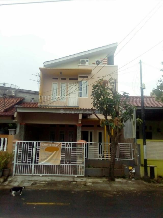 Rumah terawat 2 lantai fasilitas lengkap di Jatiwarna, jatiasih, Bekasi. (ruby. 08159463846), Jatiwarna, Bekasi