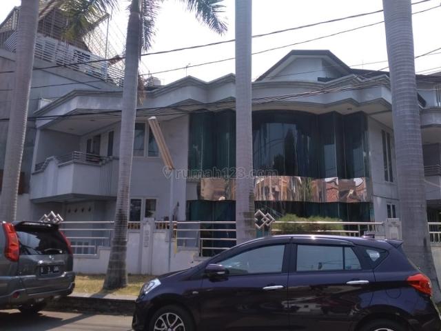 Kelapa Gading 16,5x20 m2 Rumah Hoek Hunian Nyaman HUB Helen 081280069222 PR-015154, Kelapa Gading, Jakarta Utara