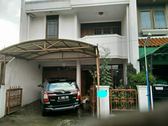 Rumah dua lantai siap huni bagus, Bandung Kota, Bandung