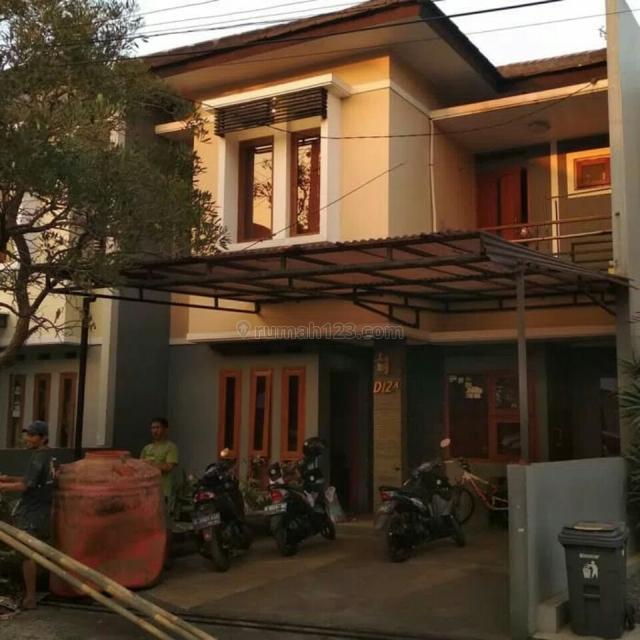 Rumah 2 Lantai Sudah Full Furnish Tinggal Bawa Koper di Antapani, Bandung, Antapani, Bandung