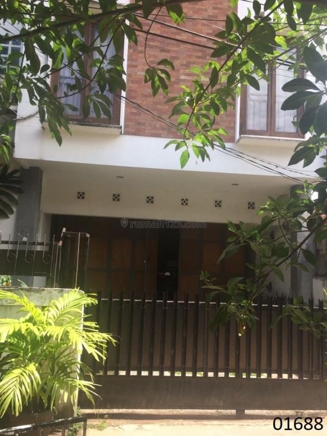 Nice Furnished House in Kebayoran Baru-01688, Kebayoran Baru, Jakarta Selatan