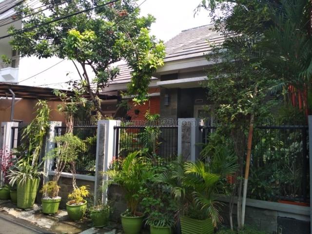 Rumah lokasi Keb.Baru, blok A, bangunan baru, segera, Kebayoran Baru, Jakarta Selatan