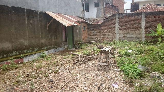 Tanah Dan Rumah Tua Di Tengah Kota Bandung, Pasir Kaliki, Bandung