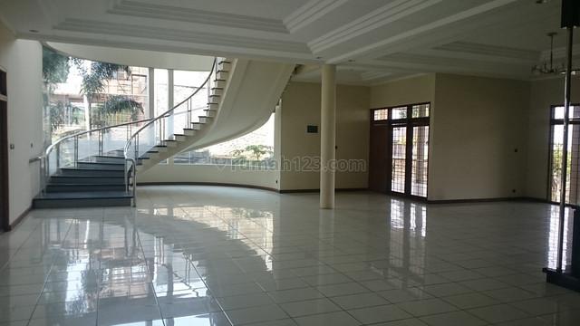 Rumah Mewah View City Dengan Harga Bagus Di Daerah Pada Asih, Hanya hitung Tanah, Lembang, Bandung