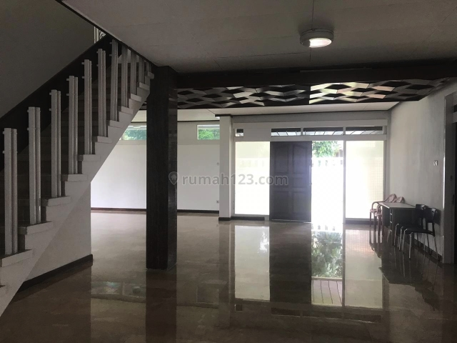 KEBAYORAN BARU, Kebayoran Baru, Jakarta Selatan