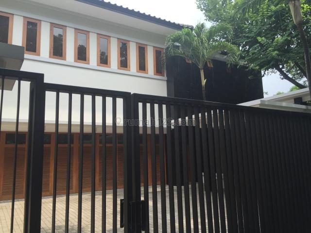House modern homy kemang dalam, Kemang, Jakarta Selatan