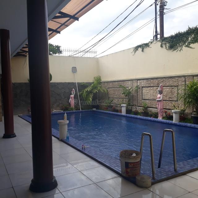 RUMAH DI CILANDAK BISA BUAT KANTOR POSISI STRATEGIS PINNGIR JALAN, Cilandak, Jakarta Selatan