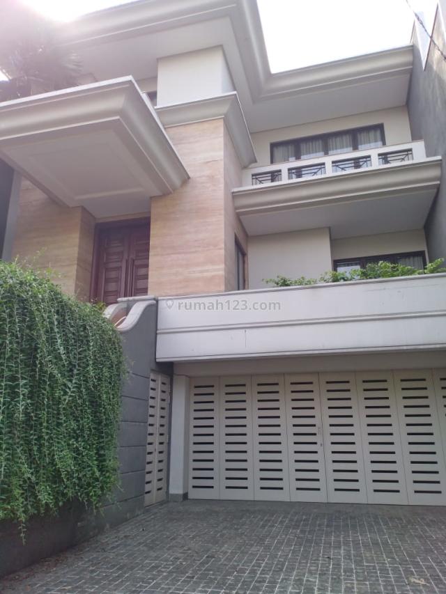 Rumah Mewah  dekat Senayan City, di Jl. Hang Lekiu, Kebayoran Baru, Kebayoran Baru, Jakarta Selatan