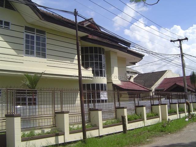 Rumah di Taman Holis Indah, Holis Cigondewah, Bandung