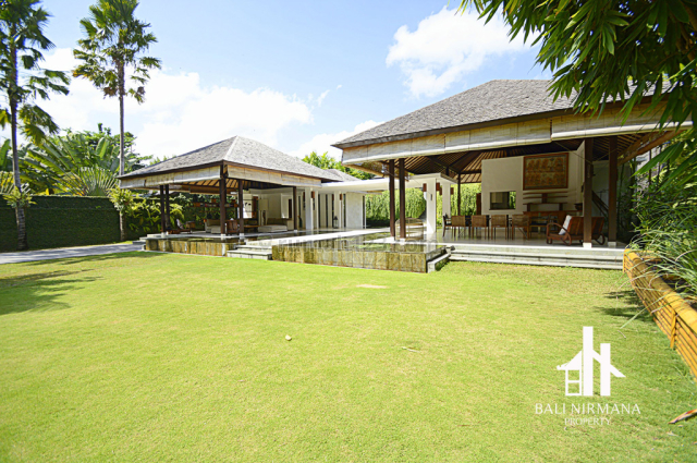 Classic Bali Contemporary Architecture Honouring Nature and Style - Freehold, Canggu, Badung