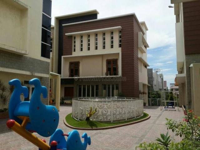 Rumah Vila Komplek Makmur Garden -R-0138, Medan Barat, Medan