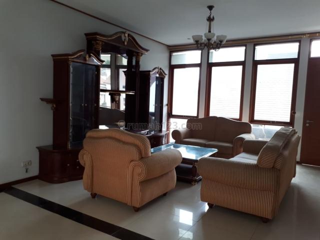 Rumah Setraduta Green Terace Furnish 3 lantai, Setra Duta, Bandung