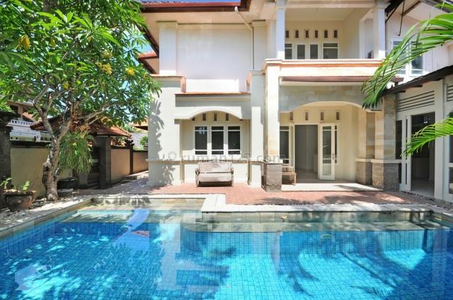 Villa sekond siap Huni Di semer kerobokan Badung Bali, Semer, Badung