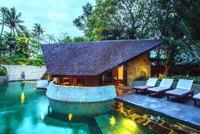 Beautiful Tropical Villa With Great Income For 20 Years Lease in Seminyak, Seminyak, Badung