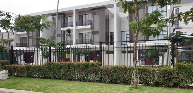 Disewakan rumah baru 3 lantai di Vanya Park, Cluster Amatis, BSD., BSD City, Tangerang