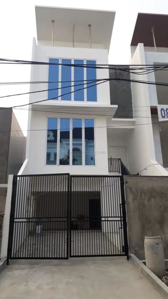 Rumah 3 lantai Pluit Samudera V, Pluit, Jakarta Utara
