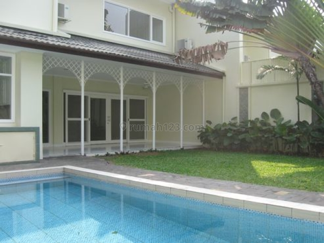 HOUSE IN A GREEN COMPOUND IN CIPETE 4BEDROOM  #LHAD, Cipete, Jakarta Selatan